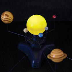 Geosafari Motorised Solar System - by Educational Insights [EI-5237 , SC00409 , 685/8861]